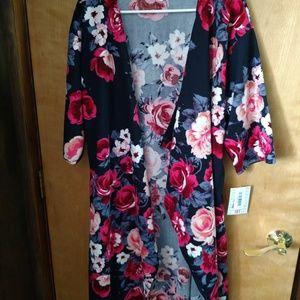 Lularoe Medium Navy Floral Shirley Kimono